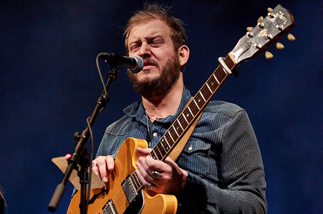 justin-vernon-performance-2015-billboard-650